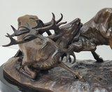 bronzen beeld hertengevecht deer edelherten bronstijd marble