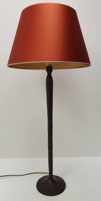 Hoge tafellamp van brons incl. hangemaakte lampenkap glanzende stof kleur roest
