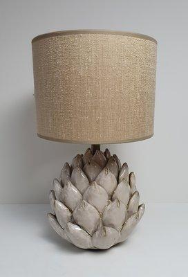 Artichoke keramiek tafellamp klein model met linnenlook lampenkap zandkleur en goud van binnen