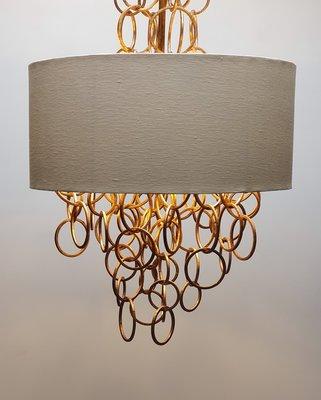 Hanglamp luchter met gouden ringen en ivoor cilinder kap