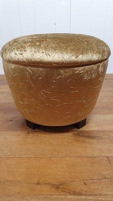 Ronde hocker in velvet stof  aangenaam klein voetenbank goud kleurige velours