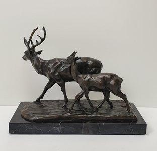 hert met kalf deer brons