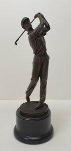 bronzen golfer op marmer exclusief