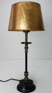 Tafellamp zwart ovaal voetje met messing detail en bladgouden kap