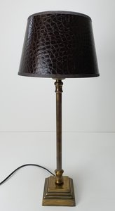 vintage smal messing lampvoet met bruin croco lampenkap gouden inlage