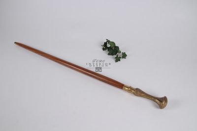 Houten wandelstok (1) met messing handvat